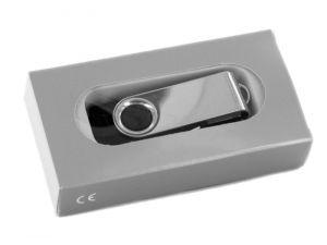 Karton-Verpackung mit Sichtfenster für USB Sticks