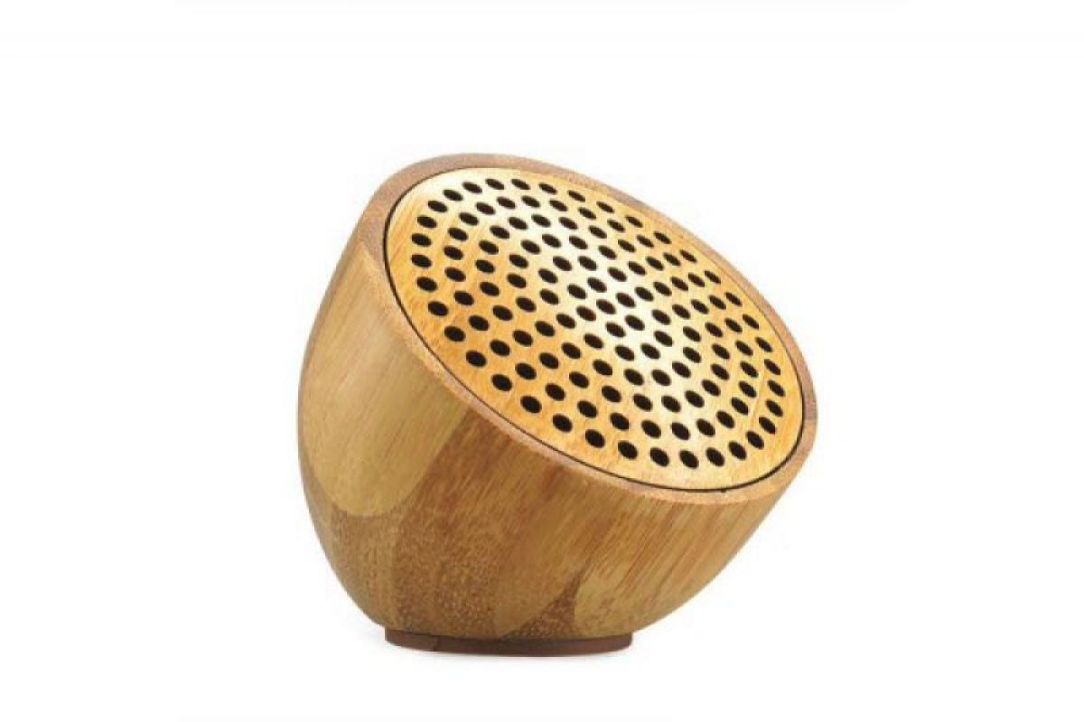 bluetooth speaker aus holz bambus mit gravur. Black Bedroom Furniture Sets. Home Design Ideas