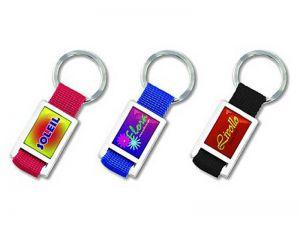 Schlüsselanhänger aus Stoff und Metall
