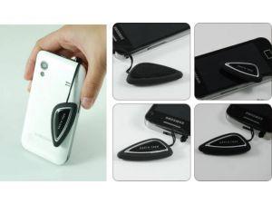 Touchpen mit Logo am Smartphone oder Handy befestigt