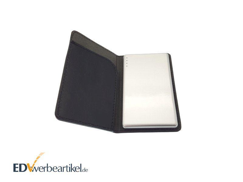 Weiße Powerbank als Visitenkarte aus Aluminium im schwarzen Leder-Etui - Werbemittel
